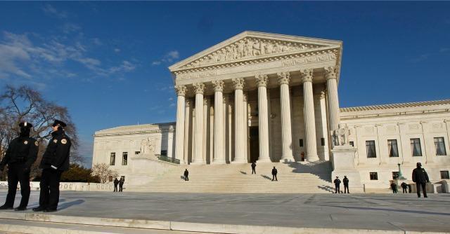 Finanziamenti a politica, Corte suprema Usa toglie tetto contributi multipli