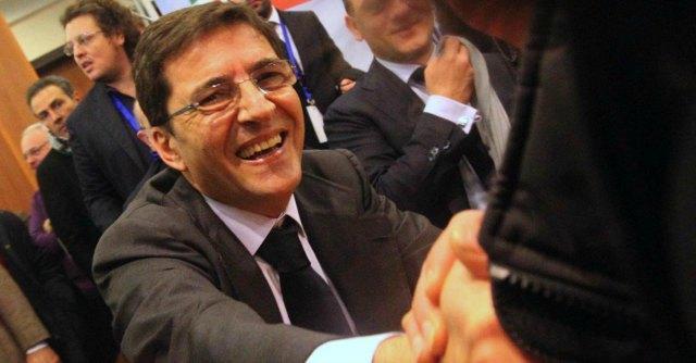 Camorra, arrestato per estorsione ex parlamentare Nicola Cosentino