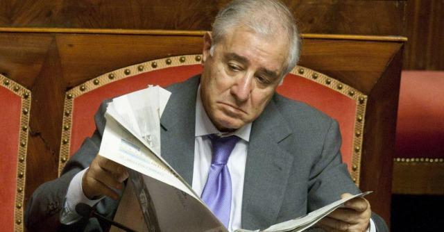 Dell'Utri Berlusconi, destini incrociati: uno è latitante, l'altro in attesa di verdetto
