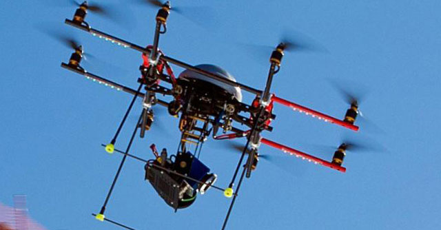 Jesolo, il sindaco Zoggia schiera i droni contro i venditori abusivi