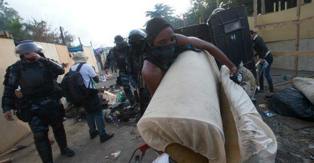 Mondiali Brasile 2014, la polizia sgombera con la violenza la nuova favela occupata