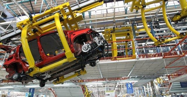 """Fiat Pomigliano, operai """"impacchettati"""" chiedono reintegro dopo cinque anni di Cig"""