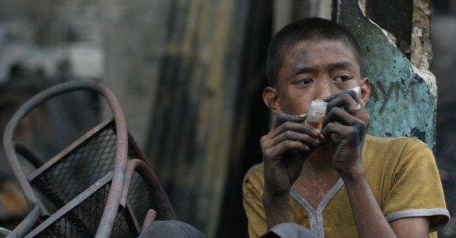 """Filippine, ex ambasciatore arrestato per """"traffico di minori"""" libero su cauzione"""