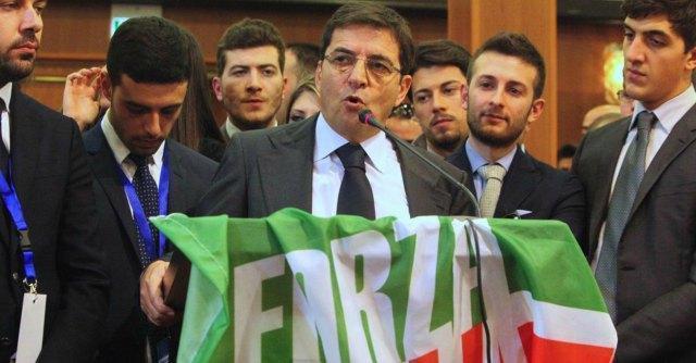 """Nicola Cosentino arrestato, Forza Italia lo difende: """"Giustizia a orologeria"""""""