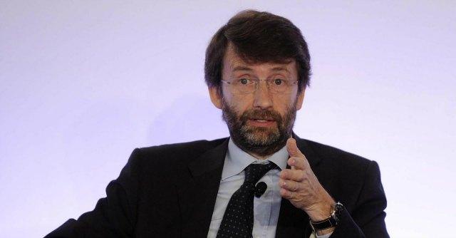 """Copia privata, Franceschini firma decreto aggiorna quote: """"Non è tassa su telefonini"""""""