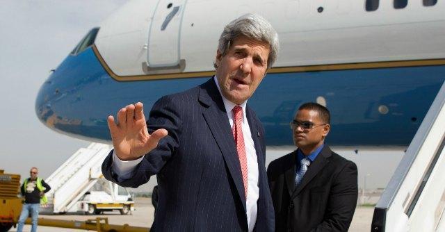 """John Kerry, il gaffeur di successo che """"allontana la pace"""" e fa infuriare Israele"""