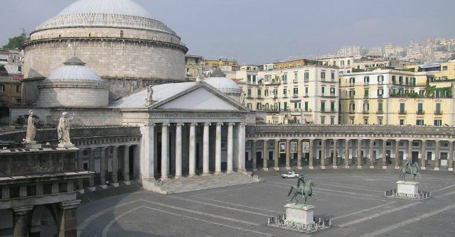 Napoli, scontro sull'evento Nutella a Piazza Plebiscito. Il veto della Sovrintendenza