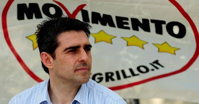 """M5s, Pizzarotti: """"No a verifica online degli iscritti sul mio operato di sindaco"""""""