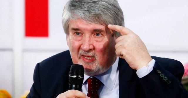 """Def, Renzi: """"Coperture ci sono"""". Poletti: """"80 euro in busta paga fuori discussione"""""""