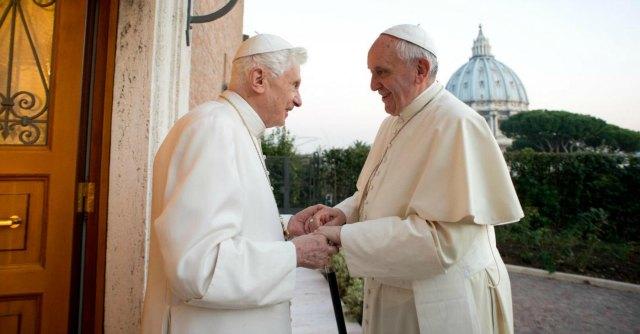 """Canonizzazione, Lombardi: """"Ratzinger concelebra la messa con papa Francesco"""""""