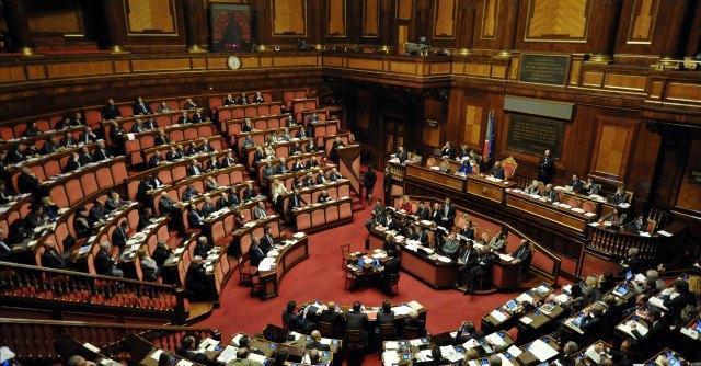 Riforme: senatori non eletti e deputati nominati, il cortocircuito che brucia il Pd