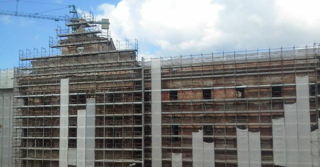 Taranto, restauro Palazzo degli Uffici: da futuro hotel di lusso a cantiere bloccato