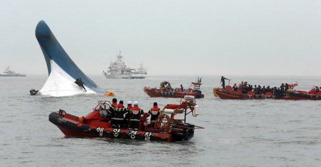 Traghetto naufragato in Corea del Sud: si dimette il premier Chung Hong-won