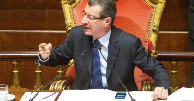 Riforma Senato, Chiti tira dritto. In Senato il M5s appoggia il ddl alternativo