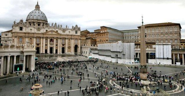 Droga trasportata nell'auto del cardinale: due italiani fermati in Francia