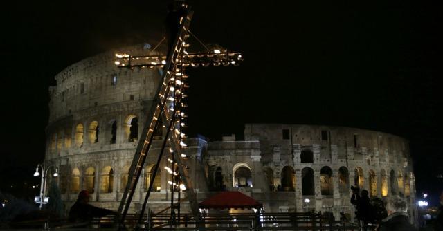"Papa Francesco: ""Preti poveri, non presuntuosi"". Musulmano a lavanda piedi"