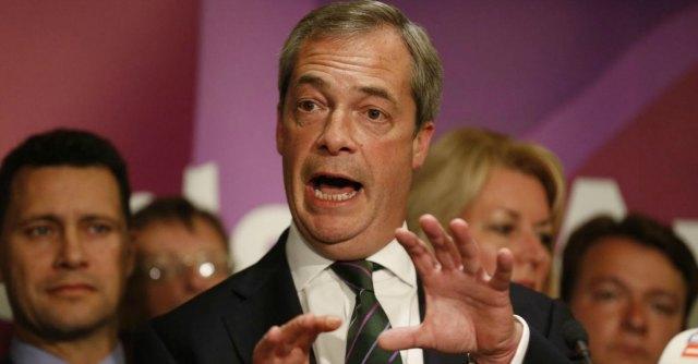 """Europee, Grillo attacca i Verdi e sostiene Farage: """"Difese sovranità Italia nel 2011"""""""