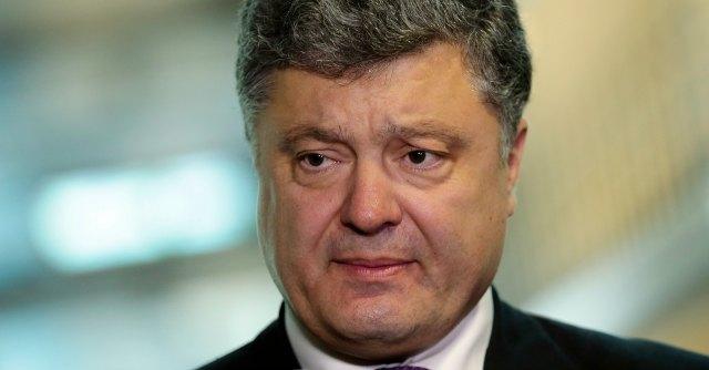 """Ucraina, Poroshenko annuncia piano di pace in 14 punti: """"Cessare il fuoco"""""""