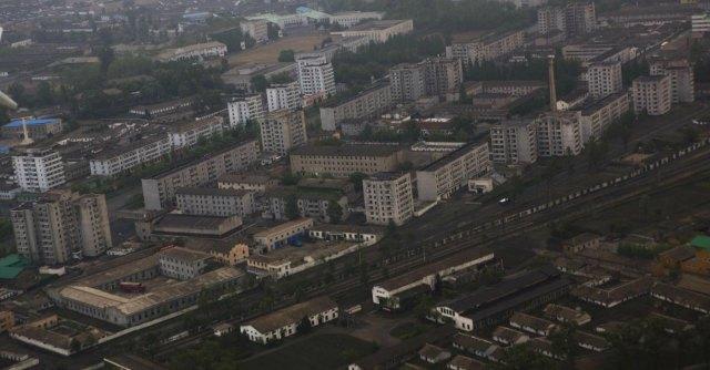 Corea del Nord, crolla palazzo di 23 piani e il regime si scusa