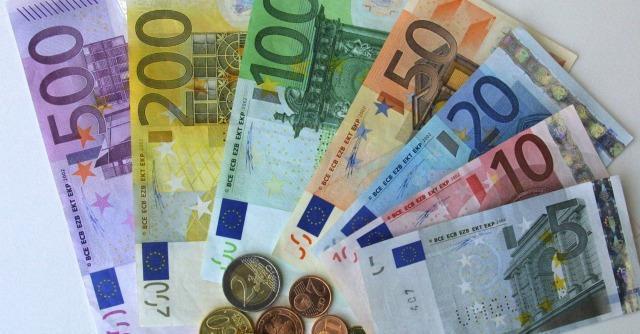 """Crisi, """"dal 2007 gli italiani sono diventati più poveri, i tedeschi più ricchi"""""""