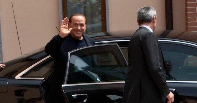 Uscita Berlusconi dai servizi sociali - Cesano Boscone