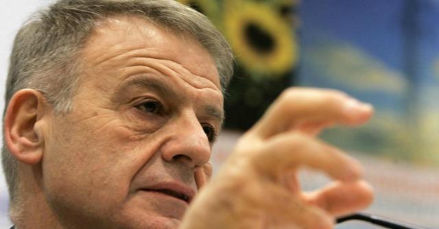Clini, accuse di riciclaggio dalla procura di Lugano: ex ministro interrogato a Ferrara