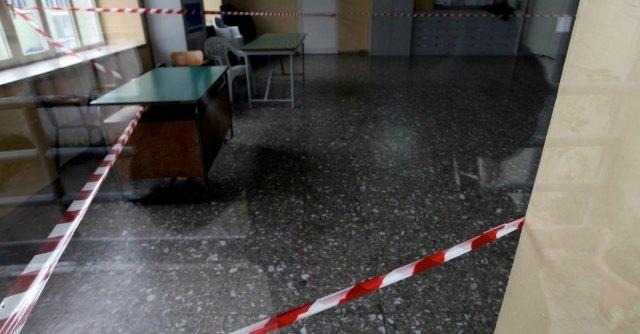 """Scuola, Censis: """"342mila alunni esposti ad amianto. Edifici pericolosi e fatiscenti"""""""