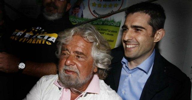 """Grillo sconfessa espulsione del consigliere """"dissidente"""" da maggioranza Pizzarotti"""