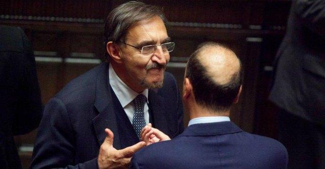 """L'appello di Alfano a riunire i moderati, La Russa: """"No finché governi con Renzi"""""""