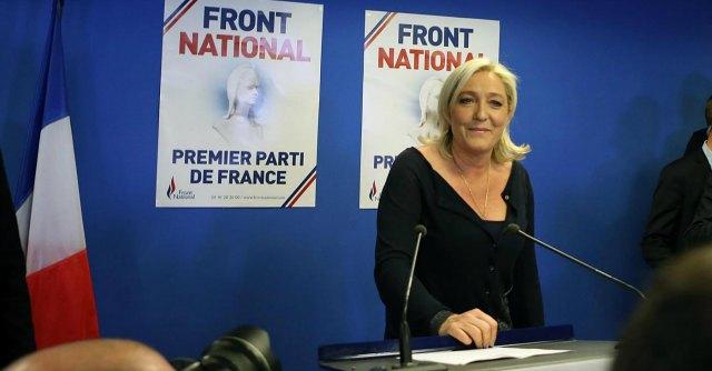 """Francia, Le Pen: """"Referendum su Ue con noi al potere. Alleanza con Alba Dorata"""""""