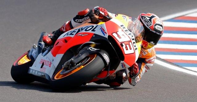 MotoGp Italia, al Mugello sesta pole per Marquez, Rossi solo decimo