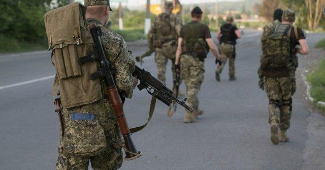 """Ucraina, Kiev conferma: """"Morti al confine. Nessun ritiro delle truppe russe"""""""