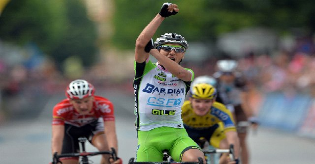 Giro d'Italia 2014, Stefano Pirazzi vince a Vittorio Veneto e si sfoga con un gestaccio