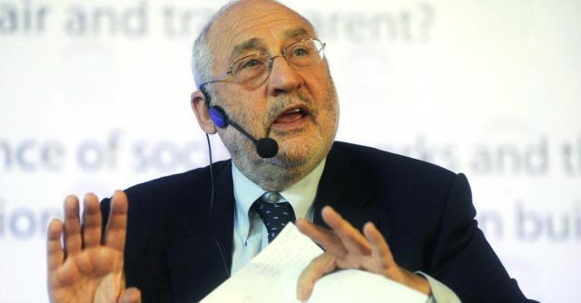 Ue, gli economisti Stiglitz e Fitoussi attaccano euro e salvataggi bancari