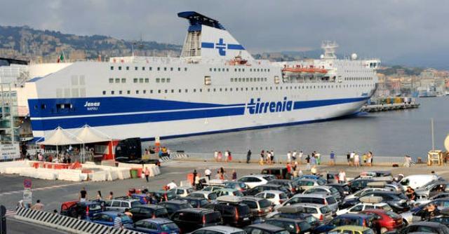 Traghetti, il cartello non c'è ma i prezzi non si sgonfiano. Ora però si può pagare a rate