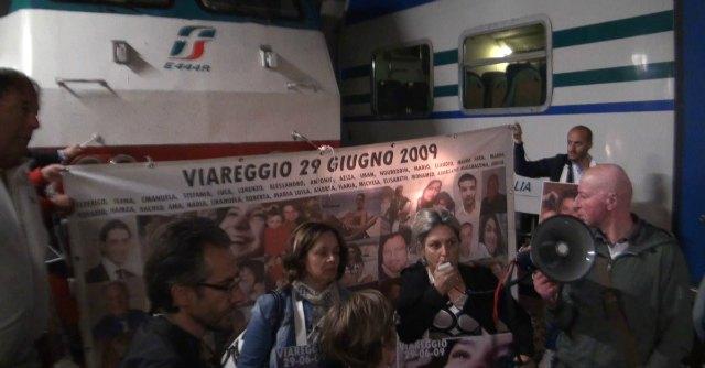 """Strage di Viareggio, protesta per la nomina di Elia: """"Un altro imputato a capo di Fs"""""""