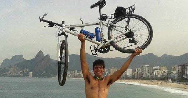 Brasile 2014, dall'Argentina a Rio in bici: 3mila chilometri per la sua Albiceleste