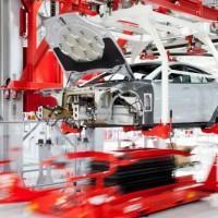 assemblaggio Tesla Model S