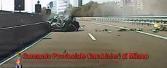 Milano, speronato e ucciso sulla tangenziale da un'auto in fuga dai carabinieri