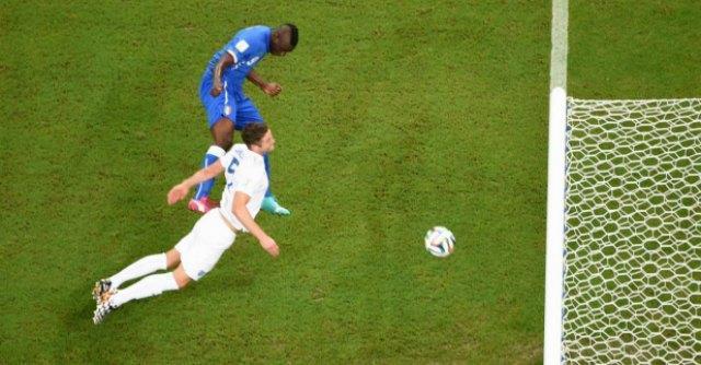 "Mondiali 2014, la stampa inglese si inchina a Balotelli: ""Magico Mario"""