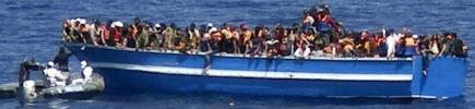 """Migranti, già superato record di sbarchi """"A fine anno saranno più di 100mila"""" Lega: """"Colpa di Renzi"""". Il Pd: """"Sciacalli"""""""