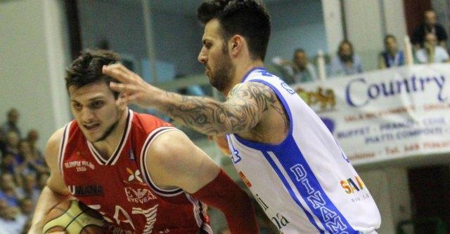 """Basket, Federazione rischia sanzione da Ue: """"Troppi italiani nel campionato"""""""
