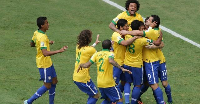 Mondiali 2014: con 'Desculpe, Neymar' Edu Krieger le canta a Fifa e governo