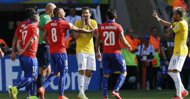 Ottavi di finale mondiali 2014, rissa nel tunnel durante Brasile-Cile. Indagine Fifa