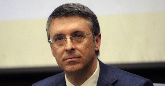 Anticorruzione, venerdì i poteri a Cantone. Ma il falso in bilancio rischia in Senato