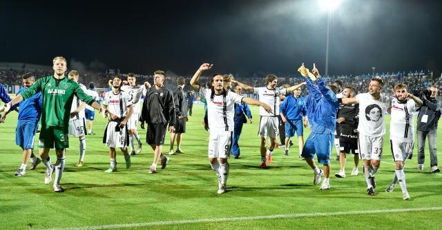 Il Cesena torna in Serie A dopo due anni. Si infrange in finale il sogno del Latina