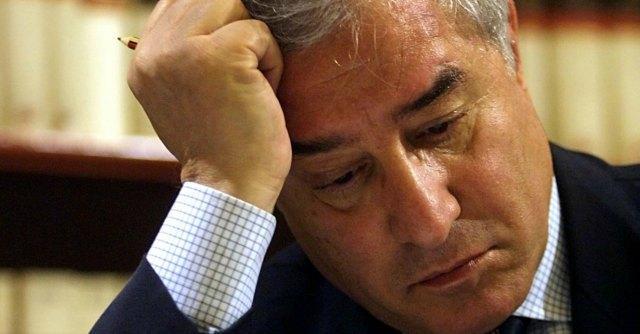"""Dell'Utri, i 5 stelle lo vedono in carcere a Parma: """"Sta bene, non è provato"""""""