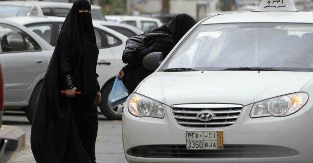 """Donna tassista al Cairo: """"Il primo diritto? Lavorare. Al via scuola di guida 'in rosa'"""""""