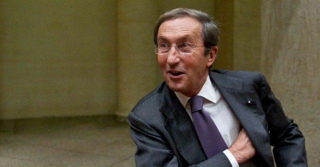 """Fini: """"Pronto a tornare in politica. Destra italiana non può seguire Le Pen"""""""