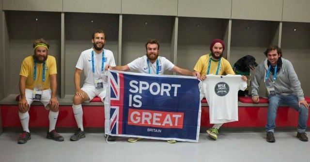 Brasile 2014, 3 ragazzi inglesi girano a piedi il Sudamerica per beneficenza